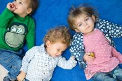 Dzieci-na-dywanie